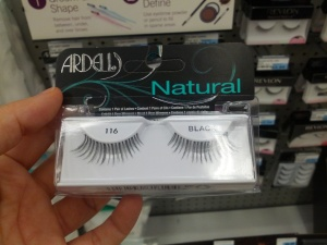 Natural Lashes with wispy ends